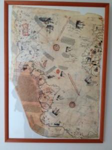 Mapa Piri-Reis, de comienzos siglo XVI, donde ya aparece el continente Americano. Ejemplar traducido al castellano por Marga Millán.- Colección Fernando Alonso
